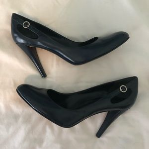 Dark Blue Enzo Angiolini pumps